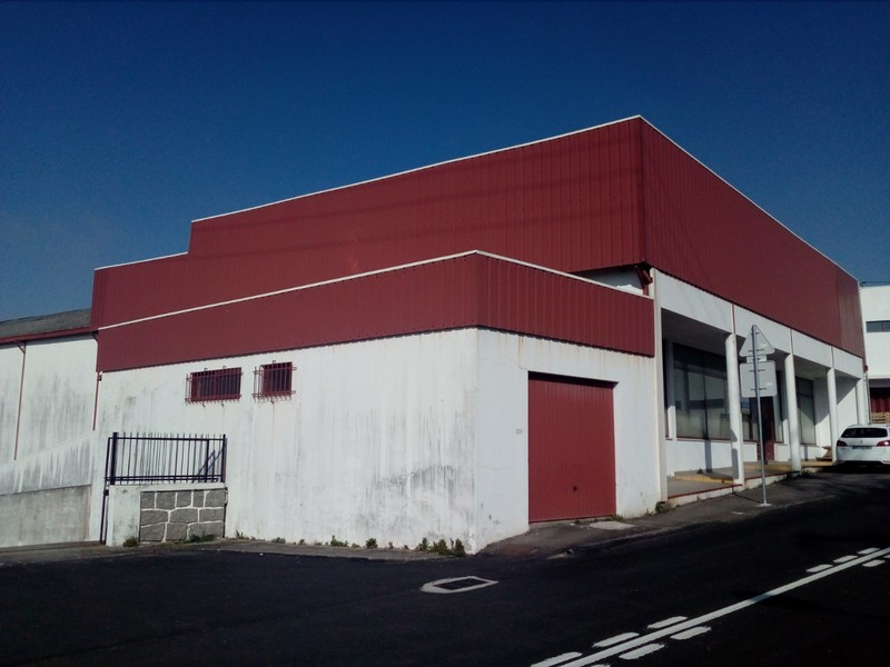 Warehouse Industrial with 1068sqm Cortegaça Ovar - easy access