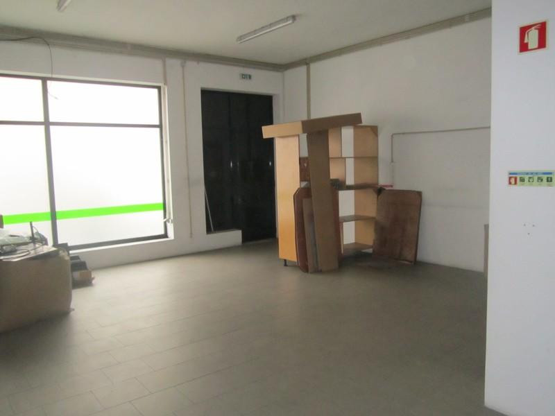 Shop São João da Madeira - wc, easy access
