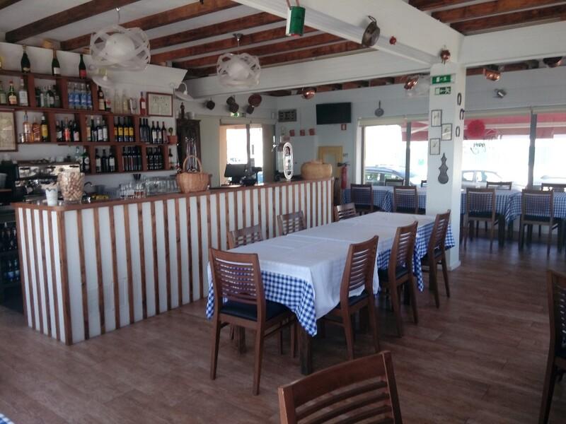 Restaurant beach front Praia de Cortegaça Ovar - kitchen, furnished, esplanade