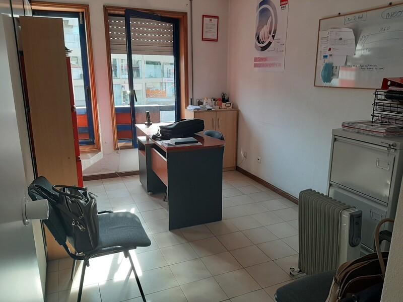 Office São João da Madeira - wc
