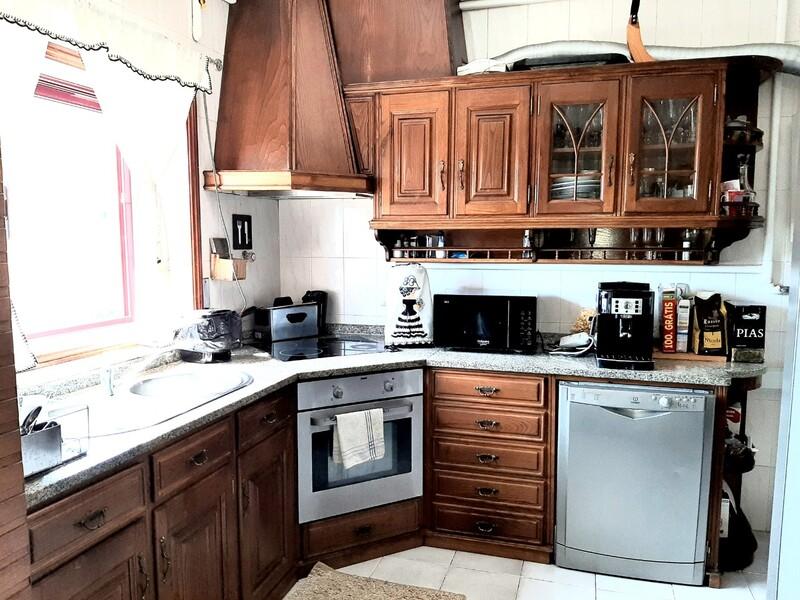 Apartamento T2 São Roque Oliveira de Azeméis - garagem, vidros duplos, lareira, cozinha equipada, equipado