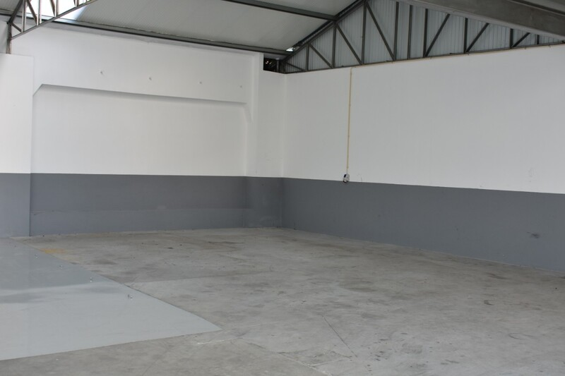 Warehouse As new with 70sqm Feira Santa Maria da Feira - toilet, easy access