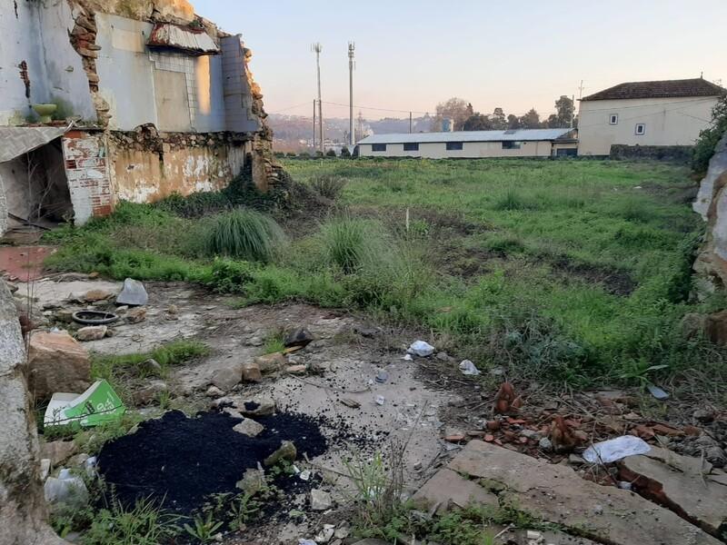 Terreno com 298m2 Vila de Cucujães Oliveira de Azeméis
