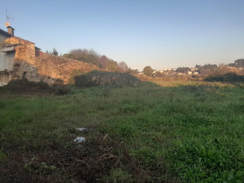 Terreno com 273m2 Vila de Cucujães Oliveira de Azeméis