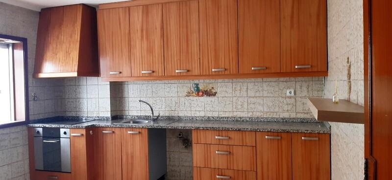 Apartamento T3 em bom estado São João da Madeira - varandas, garagem