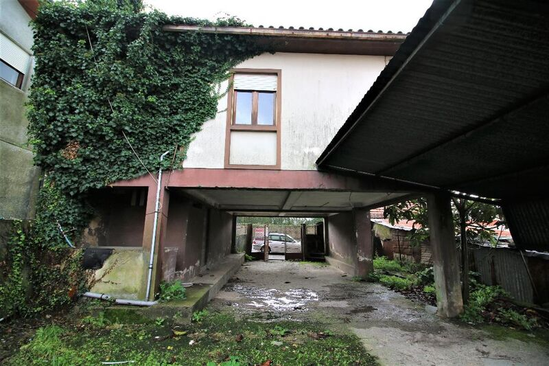 Warehouse with 266sqm São Roque Oliveira de Azeméis
