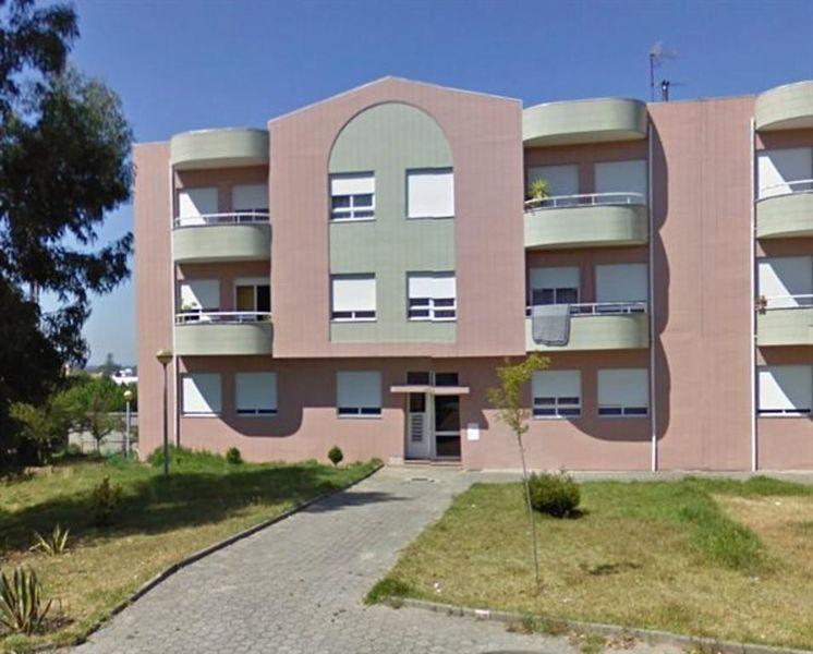 Apartamento T3 Santa Maria de Lamas Santa Maria da Feira - parqueamento, 2º andar, varanda