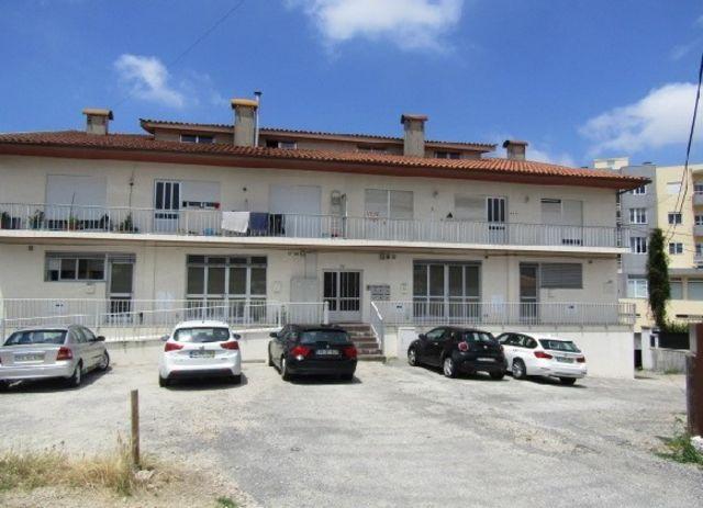 Apartamento T3 Oliveira de Azeméis - 1º andar, varanda