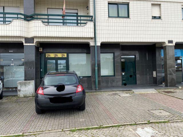 Shop Oliveira de Azeméis - spacious, garage