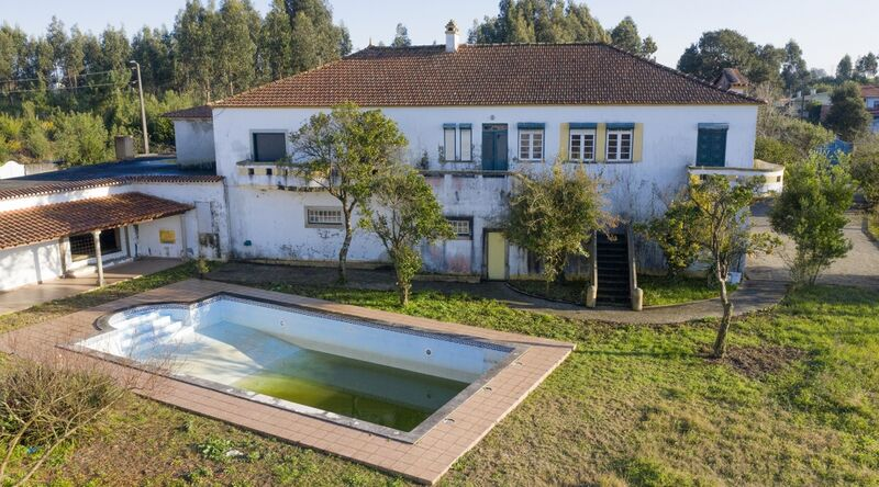 Moradia V4 Isolada Ovar - jardim, piscina, garagem