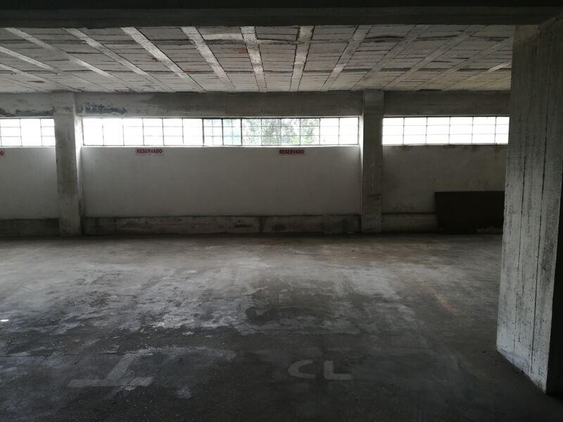 Lugar de garagem com 13m2 Vale de Cambra