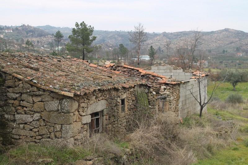 House in ruins Valcôvo Moreira de Rei Trancoso - ruin