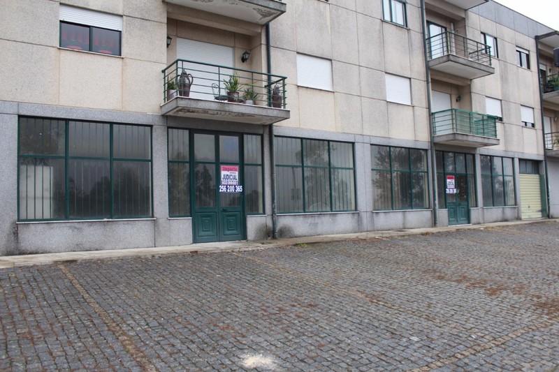 Shop with storefront Lendal Lustosa Lousada - storefront