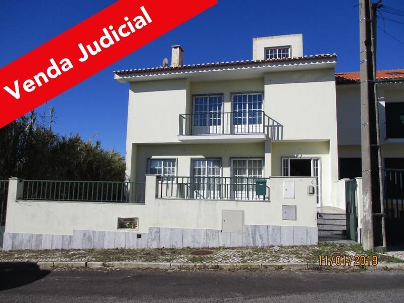 House V3 Pêro Pinheiro Sintra - fireplace, garden, garage