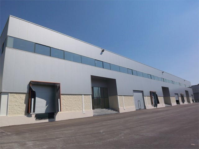 Warehouse Industrial in the center Quinta da Figueira Alverca do Ribatejo Vila Franca de Xira - easy access