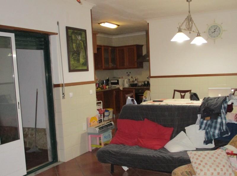 House V3 São Pedro da Cadeira Torres Vedras - garage, terrace