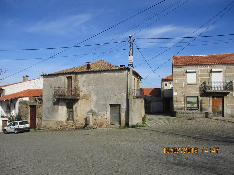 House V0 in ruins Felgar Torre de Moncorvo