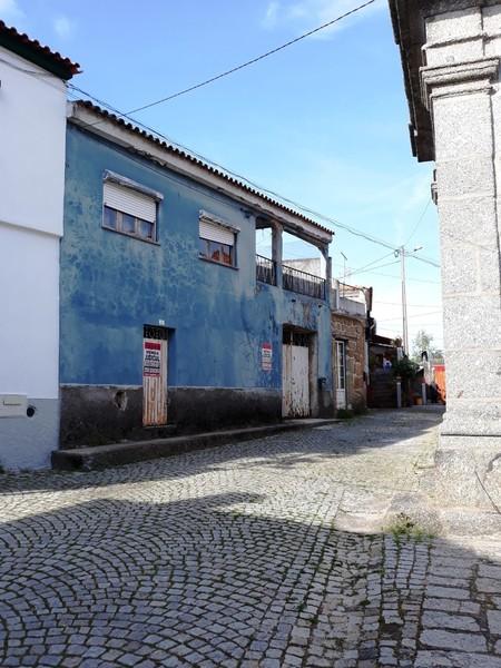 Moradia V2 Ázere Tábua - terraço, garagem