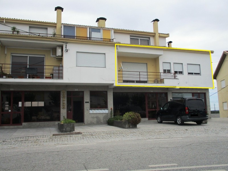 Apartamento T3 Bairro de São Pedro Aguiar da Beira - garagem