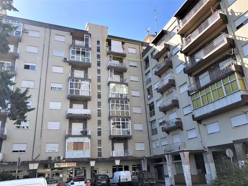 Apartamento T3 Gateira Mirandela - varanda, lareira