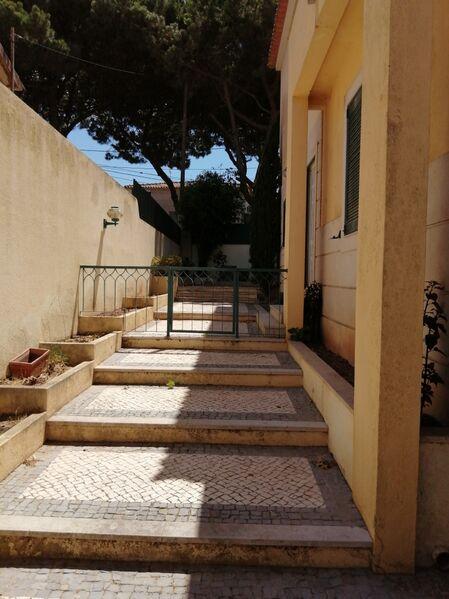 Moradia V4 Almada - lareira, jardim, piscina, garagem, terraço, bbq, varandas