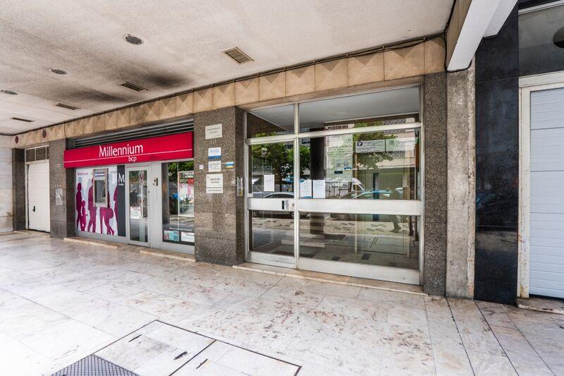 Escritório Arroios Lisboa - espaço amplo