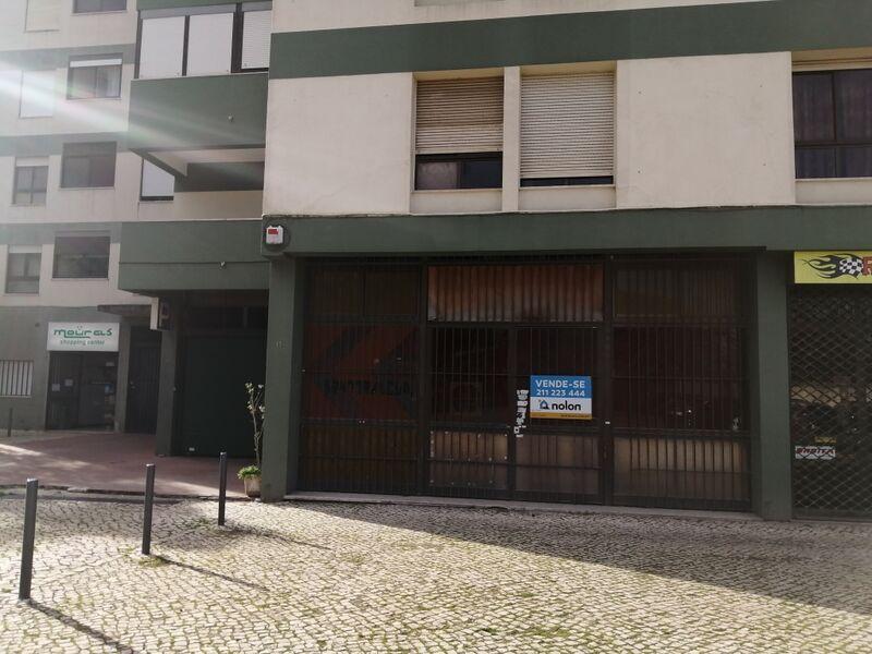 Loja no centro Lumiar Lisboa