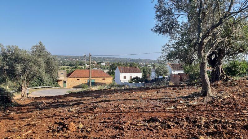 Lote de terreno com projecto aprovado Silves - água da rede, garagem, luz