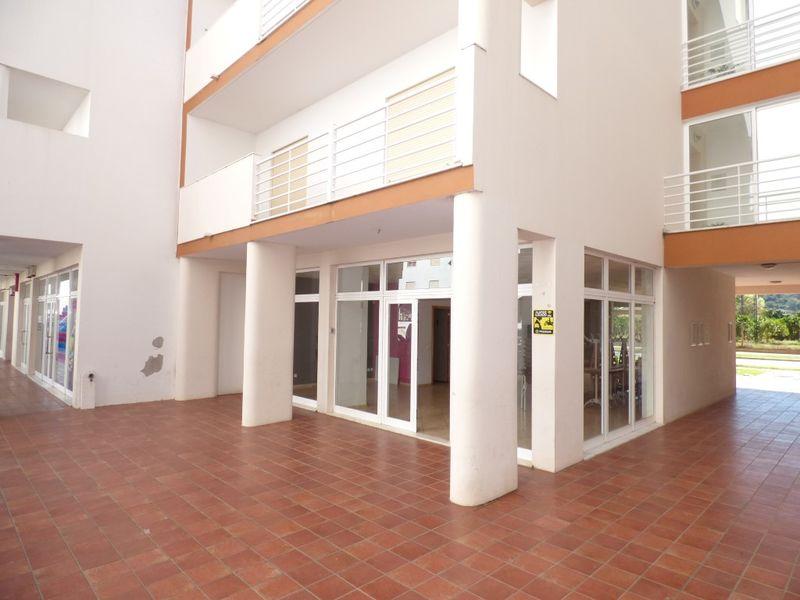 Loja no centro Silves - montra