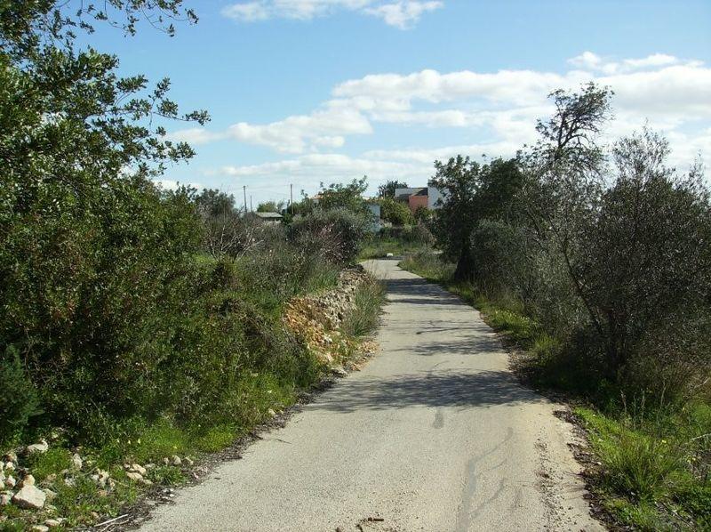 Terreno perto da praia Pêra Alcantarilha Silves - viabilidade de construção, zona sossegada, bons acessos