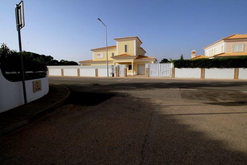 House V4 Isolated Sesmarias Olhos de Água Albufeira - barbecue, garden, terrace, fireplace, swimming pool, garage