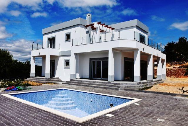Moradia V4 Isolada Monte Novo Paderne Albufeira - piscina, painel solar, parqueamento, jardim, lareira, terraços, ar condicionado