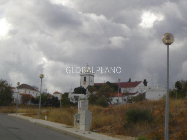Lote de terreno com projecto aprovado Mexilhoeira Grande Portimão - garagem