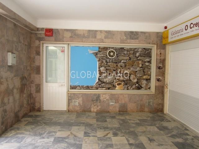 Shop well located Praia da Rocha Portimão - furnished, equipped