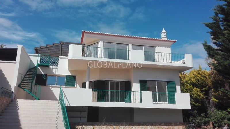 House 3 bedrooms Ferragudo Lagoa (Algarve) - garden, barbecue, equipped kitchen, swimming pool, balcony, terrace