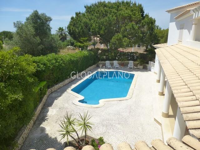 Moradia V4 Montes de Alvor/Alvor Portimão - piscina, painéis solares, terraço, bbq, lareira