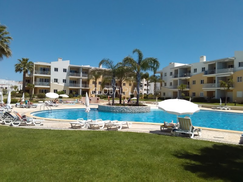 Apartment well located T1 Vila da Praia Alvor Portimão - balcony, kitchen, swimming pool, condominium