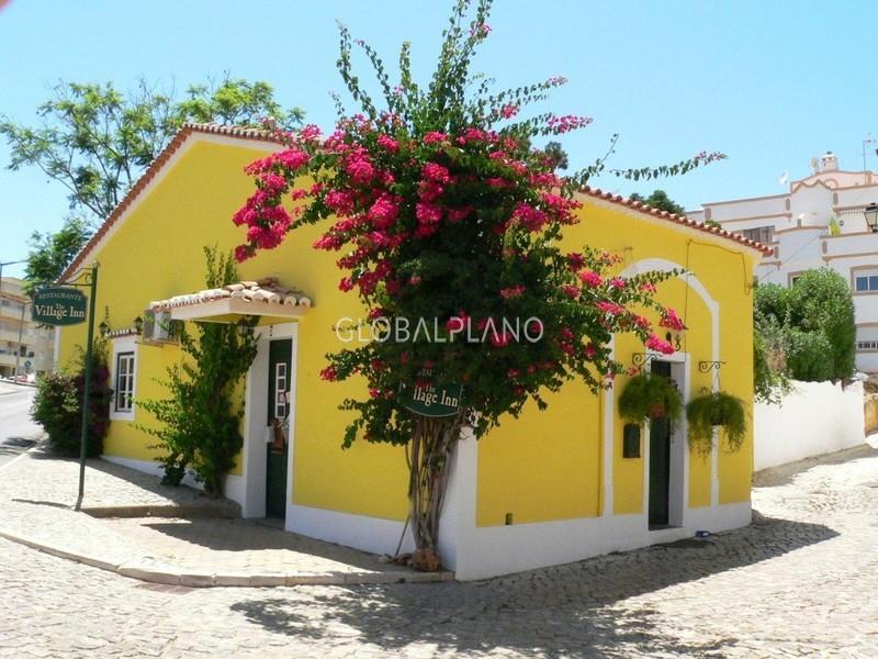 Restaurante no centro Estômbar Lagoa (Algarve) - ar condicionado, cozinha