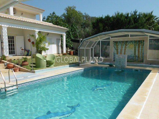 Moradia V4 Montes de Alvor Portimão - garagem, cozinha equipada, piscina, jardim