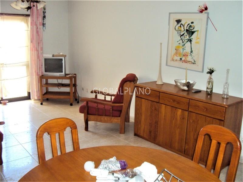 Apartamento bem localizado T1 Mar e Serra/ Alvor Portimão - varanda, garagem, equipado, mobilado