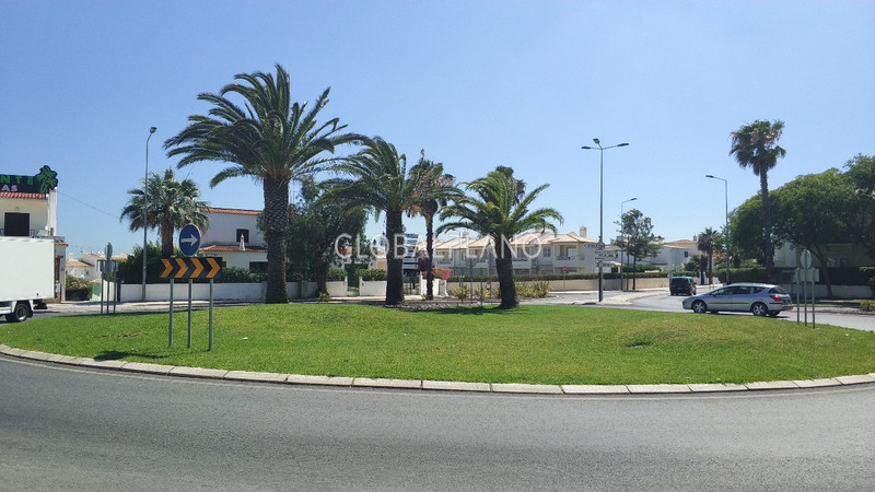 Apartamento T2 para remodelar Forte de S. João  Albufeira - zona calma, varanda