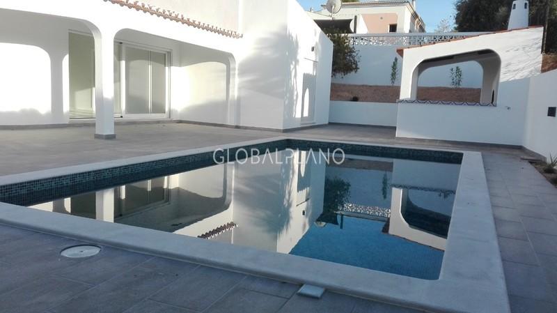 Moradia V3 Remodelada Ladeira da Nora Alvor Portimão - bbq, ar condicionado, painéis solares, piscina, parqueamento, jardim
