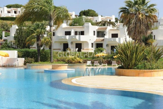 Apartment T1 Refurbished Albufeira - gated community, fireplace, swimming pool