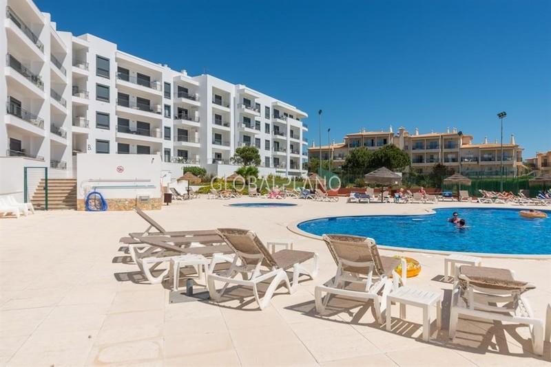 Apartamento T1 Albufeira - condomínio fechado, jardim, piscina, ténis