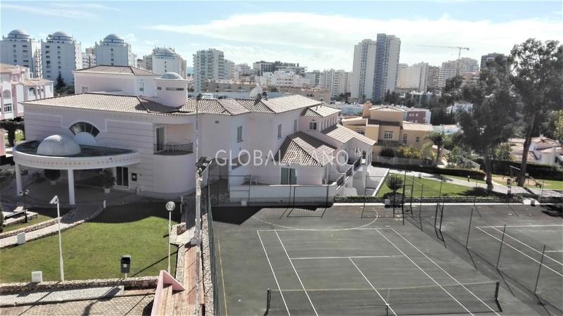 Apartamento T1 Vila Rosa Portimão - piscina, garagem, condomínio fechado