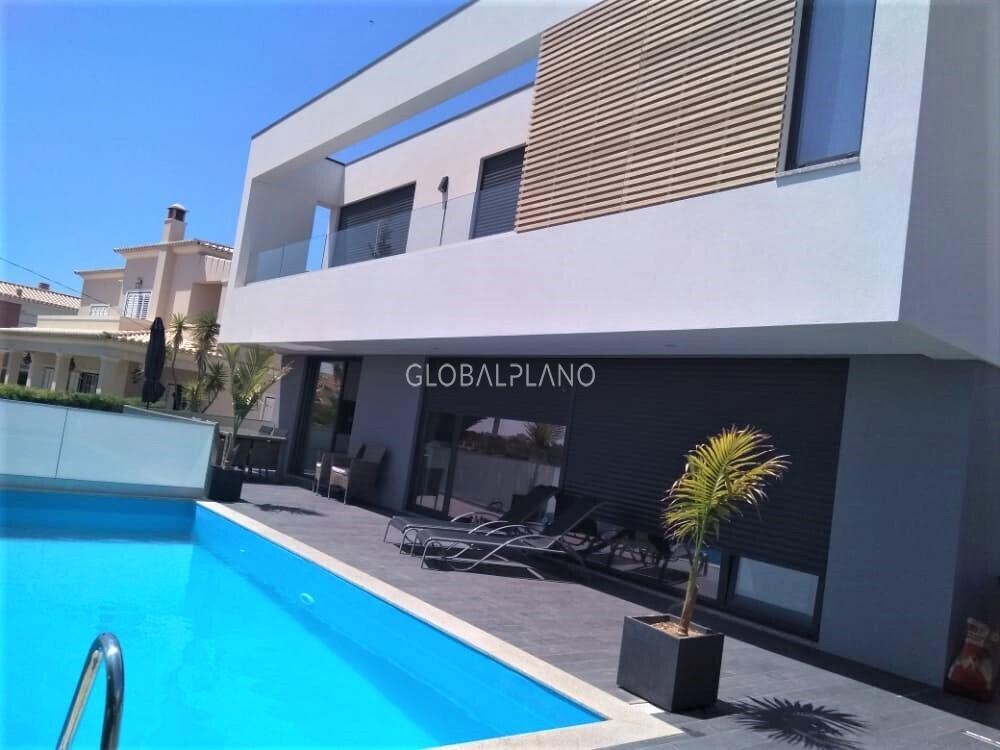 Moradia V4 Moderna Portimão - piscina, vista mar, lareira, painéis solares, garagem, jardim, varanda