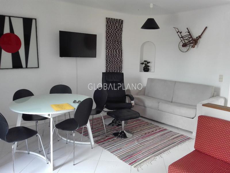 Apartamento T1 Alpouvar Albufeira - jardim, condomínio fechado, varandas, piscina, lareira