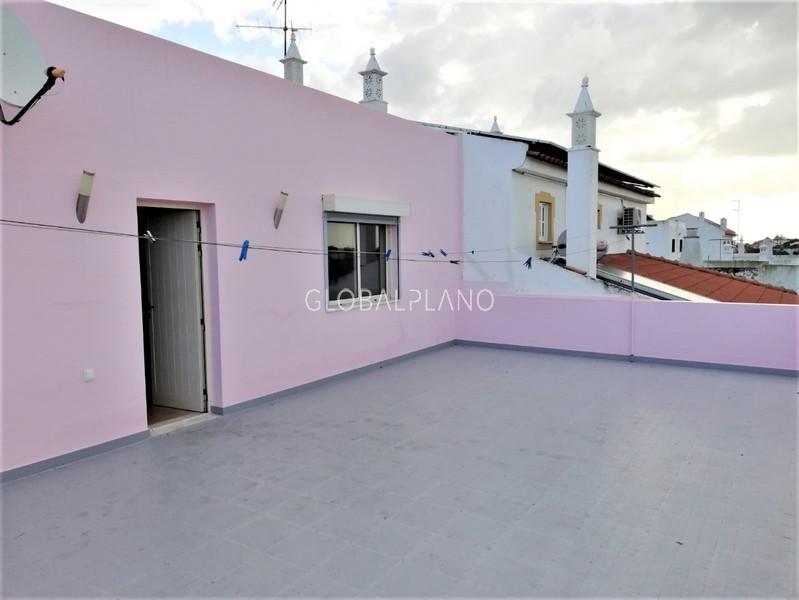 Moradia V5 Portimão - sótão, varanda, garagem, terraço, vista magnífica, lareira, bbq