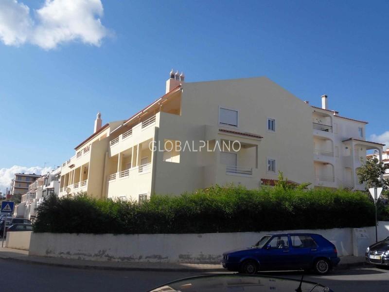 Apartamento T3 com boas áreas Vila Paraiso/ Portimão - garagem, lareira, varanda, bbq, cozinha equipada, terraço