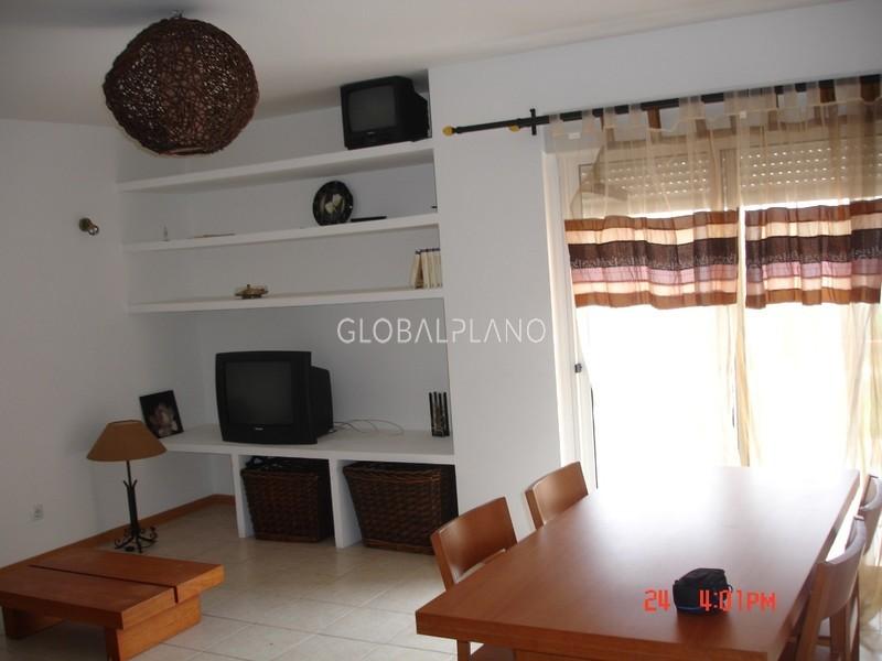 Apartamento com boas áreas T4 Quinta das Oliveiras Portimão - arrecadação, garagem, cozinha equipada